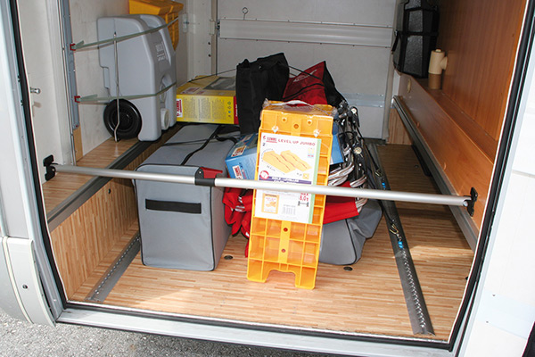 garaje para autocaravanas y furgonetas camper masquecamper. Black Bedroom Furniture Sets. Home Design Ideas