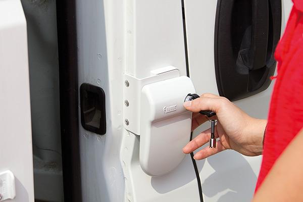 kit 3 safe door frame white para autocaravanas y furgonetas camper masquecamper. Black Bedroom Furniture Sets. Home Design Ideas