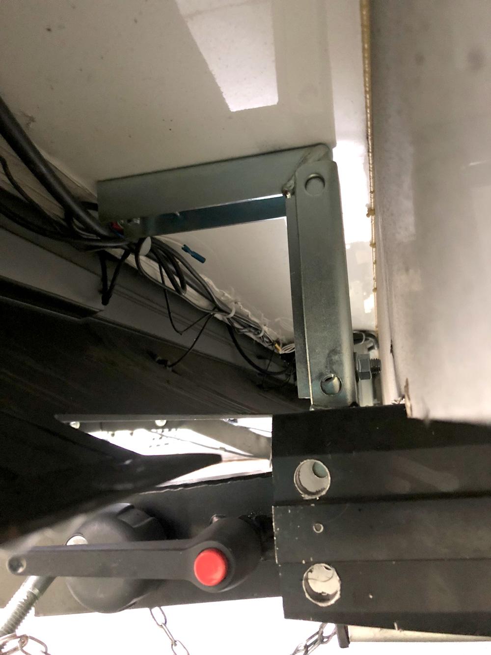 instalacion portamotos autocaravana blamon bajos
