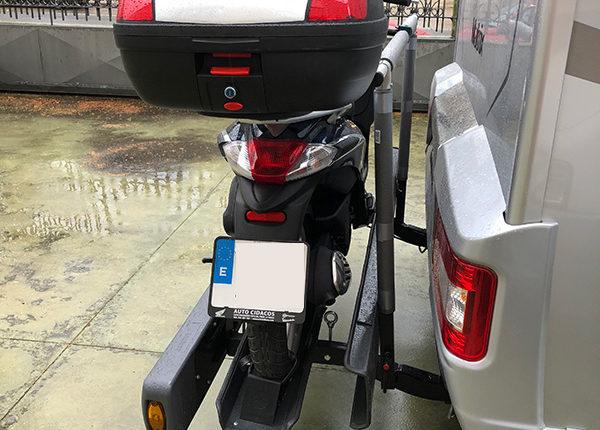 instalacion-portamotos-autocaravana-blamon-lateral