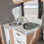 autocaravana mclouis mc4 370 cocina