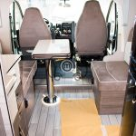 autocaravana mclouis mc4 872 comedor cabina