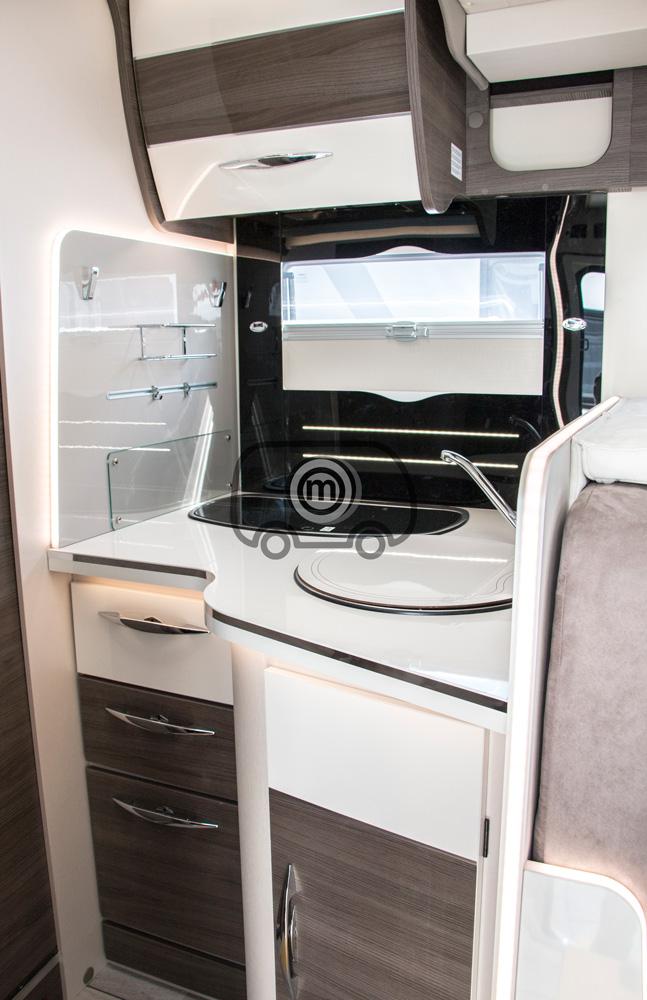 autocaravana mclouis mc4 873 cocina
