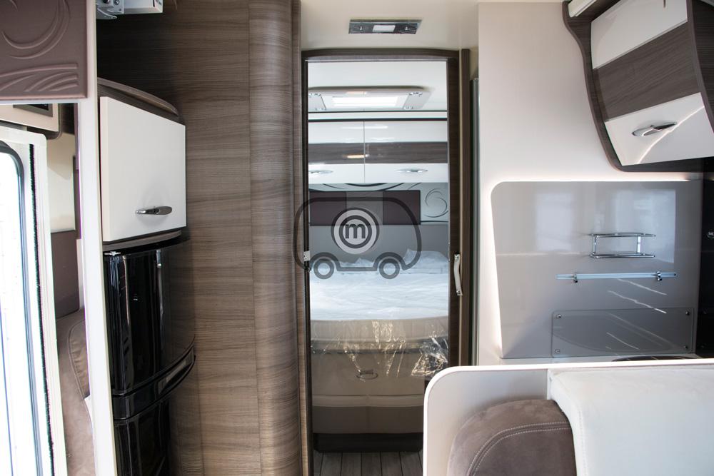 autocaravana mclouis mc4 879 habitacion